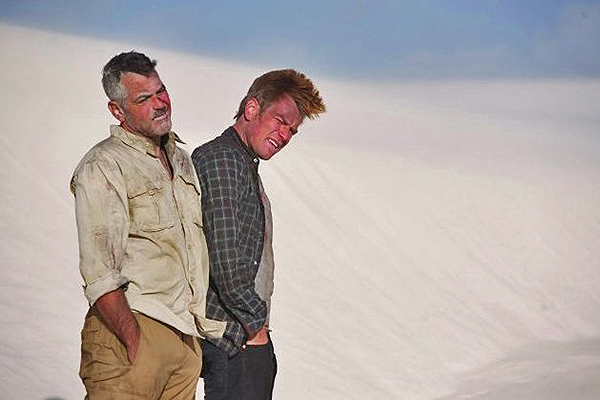 George Clooney and Ewan McGregor at White Sands - The Men Who Stare at Goats